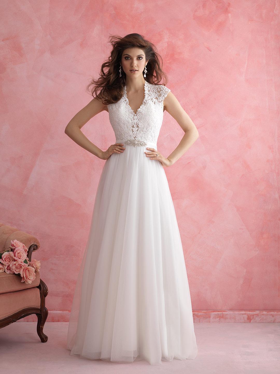 Cerrando el corset | Mi vida entre vestidos de novia